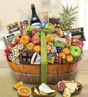 Distinctive fruit sweets gift basket negle Images